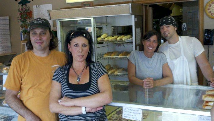 Savastanos Bakery and Pizzeria